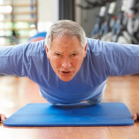 man-exercising_push-ups_oncologynews_800x500